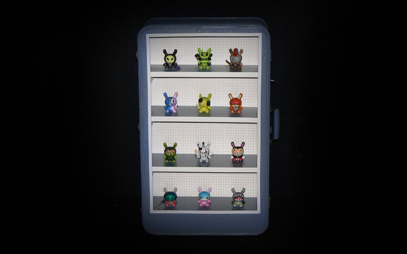 suit-display-case-2